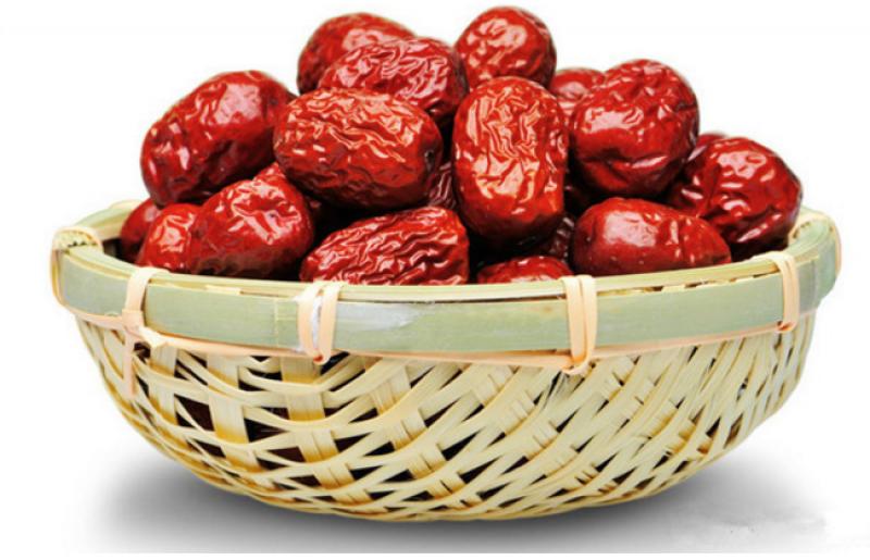 Lạc sen và táo khô là sự kết hợp tuyệt vời để bổ tỳ, ích máu